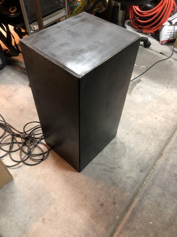 Cabinet cube shelf