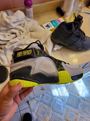 Nike airaids size 8 for Sale in Temple, PA