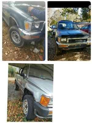 Toyota partes de todo tipo de truck y runner for Sale in Dumfries, VA