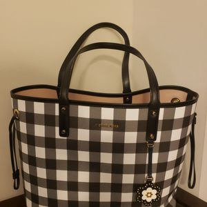 Michael Kors Gingham Large Reversible Tote EUC for Sale in Silver Spring, MD