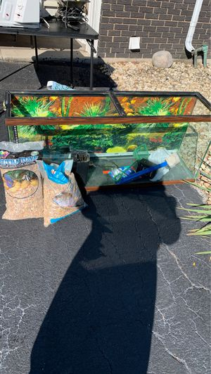 Large Fish tank with gravel for Sale in Olympia Fields, IL