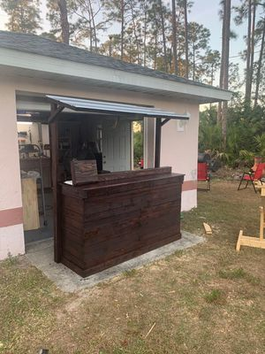 Tiki Bar handmade stained outdoor bar for the patio or pool for Sale in Lehigh Acres, FL