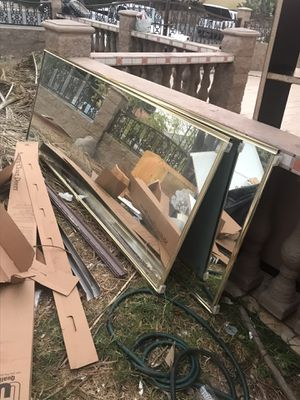Free sliding mirror dresser for Sale in Spring Valley, CA