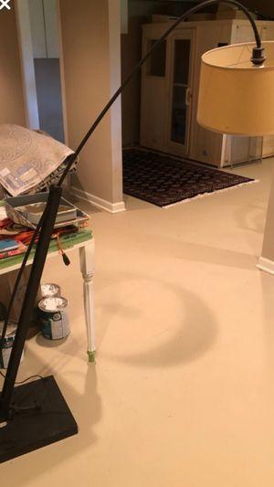 Floor lamp for Sale in Carpentersville, IL