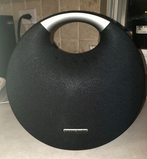 Harmon/Kardon Black Onyx 5 Bluetooth Surround Sound Heavy Bass Speaker for Sale in Warrenville, IL