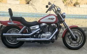 1997 Honda Shadow Spirit, Mint condition for Sale in Covina, CA