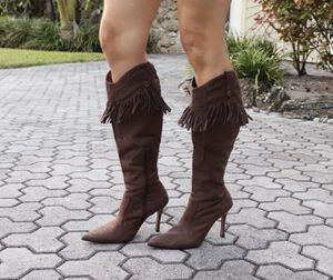 Brown suede boots with fringe size 7 for Sale in Plantation, FL