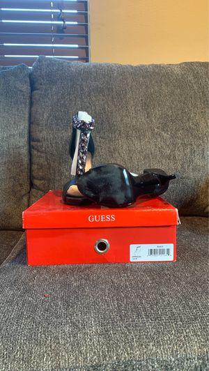 Guess GFRAQUEL size 6.5 black for Sale in La Habra, CA