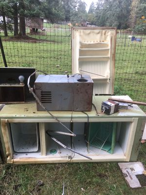FREE Camper appliances or scrap metal for Sale in Puyallup, WA