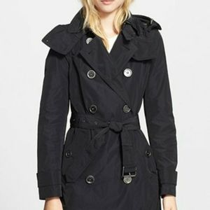 Burberry Raincoat for Sale in Nashville, TN