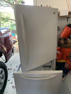 KENMORE BOTTOM FREEZER REFEIGERATOR for Sale in Cave Spring, VA