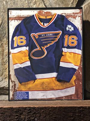 """Page from the Past : Picture of the 1989-1990 Bret Hull St Louis Blues Jersey in """"8 x 10"""" glass frame. for Sale in Snellville, GA"""