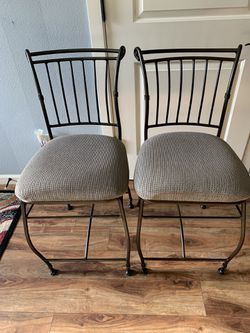 """Set Of Two Counter Stools !!! 24"""" H for Sale in Vancouver,  WA"""