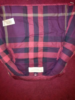 Burberry vest authentic for Sale in Detroit, MI