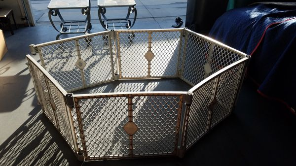 Gate fence for baby or pet.