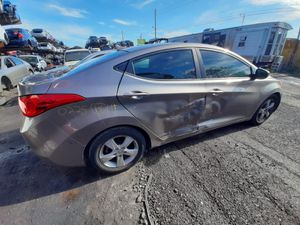 Hyundai elantra 2013 only parts engine and transmission good for Sale in Miami Gardens, FL