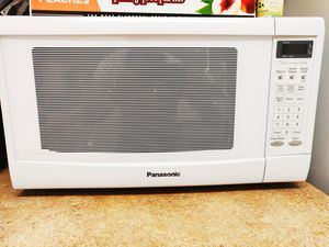 Pananosic Microwave - Working - Free for Sale in Cupertino, CA