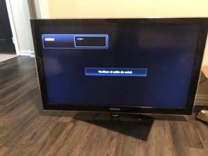 42 inch tv works fine I don't have the remote control for Sale in Dallas, TX