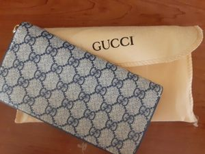 Gucci wallet for Sale in Deltona, FL
