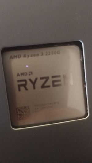 AMD Ryzen 3 2200g for Sale in Aberdeen, WA