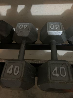 40 pound dumbbells for Sale in Watauga, TX