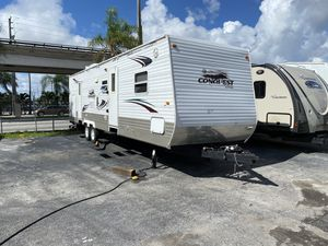 Rv tráiler 2009 de 34 pies ubicado 3699 nw 79 st Miami fl 33147 for Sale in Hialeah, FL