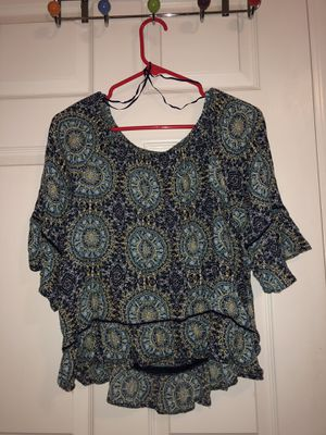 Small off the shoulders top for Sale in Murfreesboro, TN