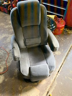Captains chairs for Sale in Mohnton, PA