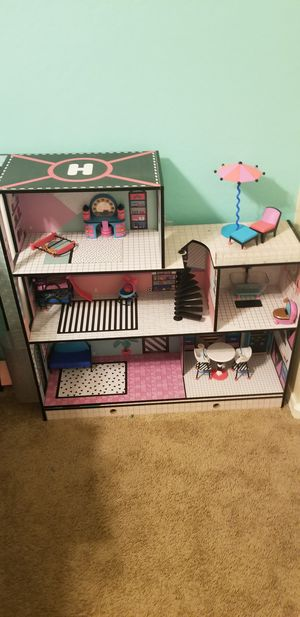 Lol doll house like new $100 firm for Sale in Apache Junction, AZ