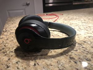 Beats by Dre Studio 2.0 wired for Sale in Orlando, FL