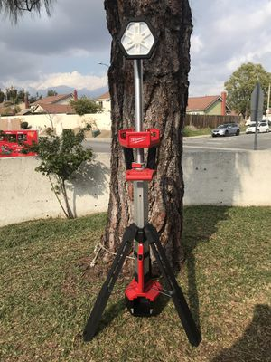 🧰Milwaukee M18 18-Volt Lithium-Ion Cordless Rocket Dual Power Tower Light (Tool-Only)🧰 for Sale in Fontana, CA