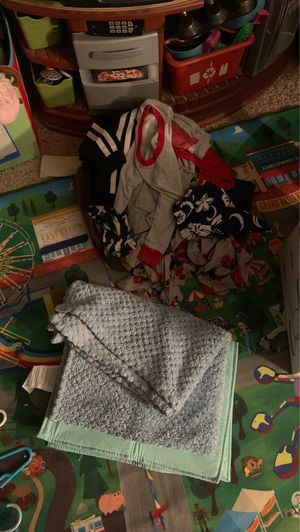 Free Baby boy clothes for Sale in Fresno, CA