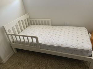Toddler bed and mattress for Sale in Santa Maria, CA