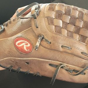 Rawlings Youth Baseball Mitt for Sale in El Cajon, CA