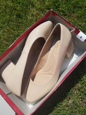 Size 8 nude heels for Sale in Lockport, NY