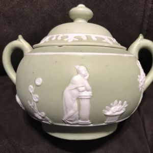 Vintage Green Sugar Bowl With Lid for Sale in Elma, WA