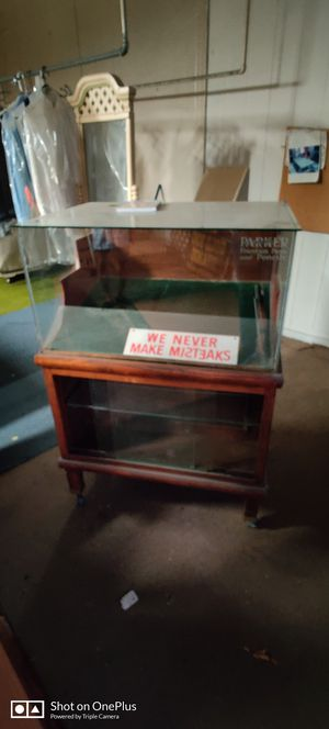 Antique Parker Pens &Pencils Display Cabinet for Sale in San Jose, CA