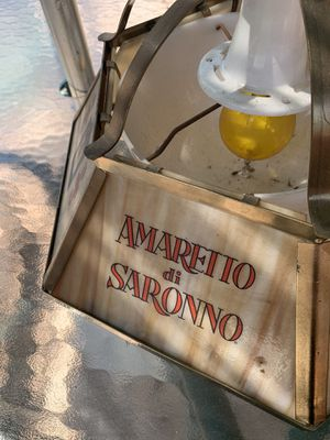 VINTAGE BAR AMARETTO DI SARONNO LIGHTED HANGING LAMP for Sale in Castro Valley, CA