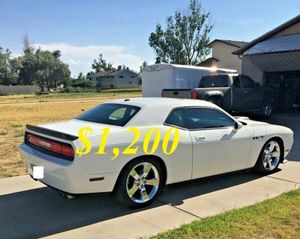 🌺$1,2OO Selling🌺 2009 Dodge Challenger🌺 very nice🙏🏼 for Sale in Chicago, IL