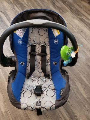 Infant car seat with base. for Sale in Thaxton, VA