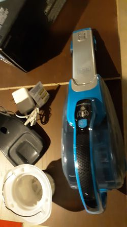 Dustbuster Hand Vacuum (Deep Ocean Blue + Base Charger with SMARTECH™) LIGHTLY USED....... RETAILS NEW FOR 79.95 PLUS TAX... for Sale in West Chicago,  IL