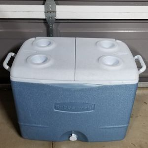 Ice Chest Cooler for Sale in Rialto, CA