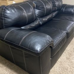 Black Sofa Leather for Sale in Kissimmee,  FL