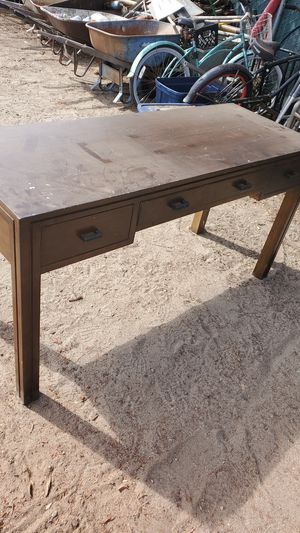 Desk for Sale in San Bernardino, CA