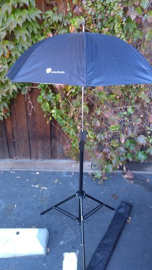 Photoshop video Studio equipments items umbrella monopod tripod DSLR digital SLR camera for Sale in Santa Clara, CA