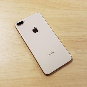 64gb Gold iPhone 8 Plus for Sale in Largo, FL