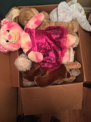 Box of stuffed animals for Sale in Tooele, UT