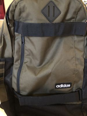 📕📗BACKPACK ADIDAS USED BUT EXCELLENT CONDITION $20 FIRM 📘📙🎒 for Sale in Compton, CA