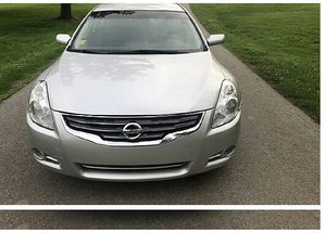 hko 2011 nissan altima 2.5 special edition. for Sale in Versailles, KY