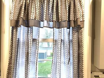 Window Panels With Valance for Sale in Farmville,  VA